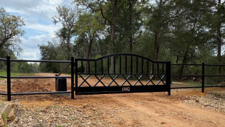 Fencing, Gates & Deck Building Services Liberty hill and Schulenburg, Texas